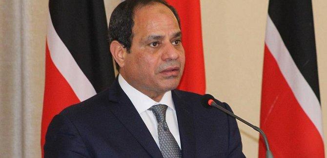 Darbeci Sisi 'yeniden adaylığını' açıkladı