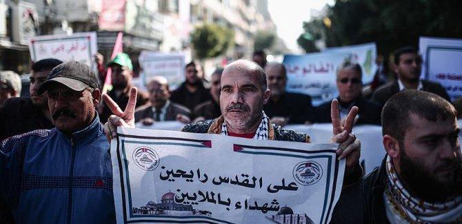 Gazze'de 'Kudüs'e destek yürüyüşü'