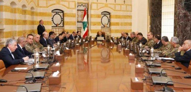 Lübnan İsrail'e karşı orduya tam yetki verdi