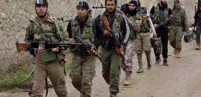 Suriye Gözlemevi: Yüzlerce DAİŞ'li ÖSO'ye teslim oldu