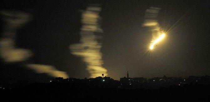İşgal rejimii İsrail'den Gazze'ye topçu atışıyla saldırı