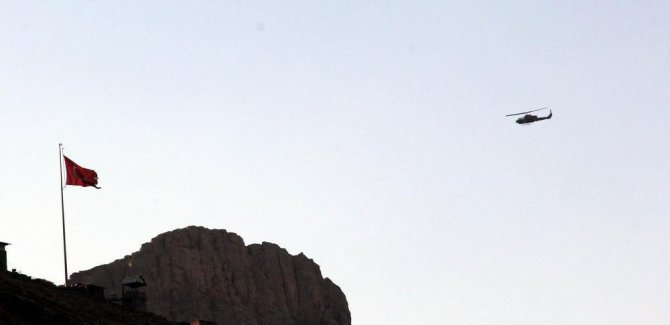 Hakkari'de roketatarlı saldırı: 2 asker hayatını kaybetti