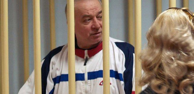 Rus ajan Skripal, sinir gazıyla zehirlendi
