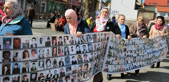 Srebrenitsalı annelerden protesto