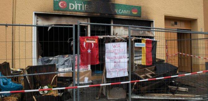 CDU ve SPD binalarına Afrin'in saldırısı