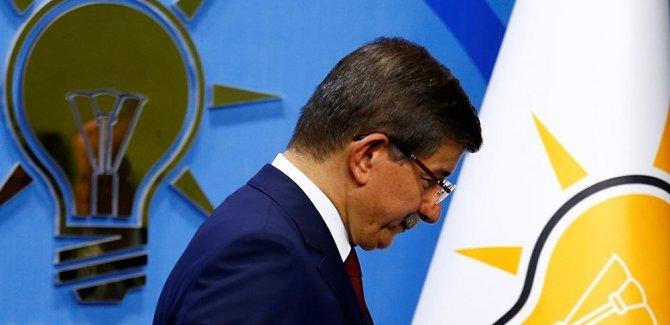'AK Parti'nin İstanbul adayı Ahmet Davutoğlu'