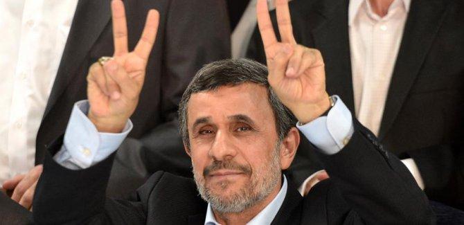 Ahmedinejad ülke yönetimini eleştirdi