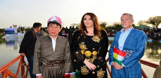 ABD Başkonsolosu, Newroz kutlamasına milli Kürt kıyafetleriyle katıldı