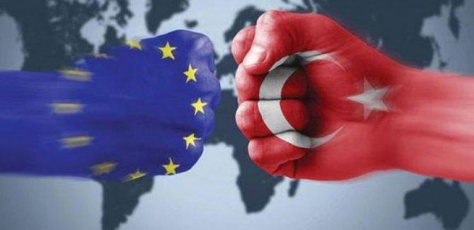 Türkiye: AB tarafsızlığını yitirdi
