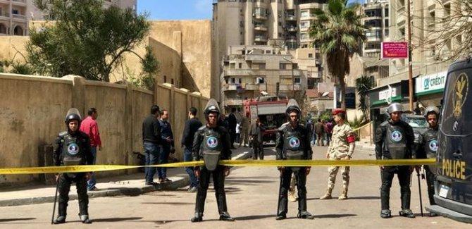 Mısır'da bombalı araçla saldırı: 2 ölü