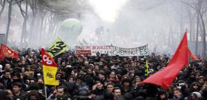 Di greva Fransayê de protesto hilperikîn unîversîteyan
