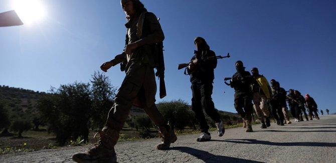 Qumandarê SSA-yê: Eger DYE êrîşî Sûrîyeyê bike em ê li gora biryara Tirkîyeyê tev bigerin