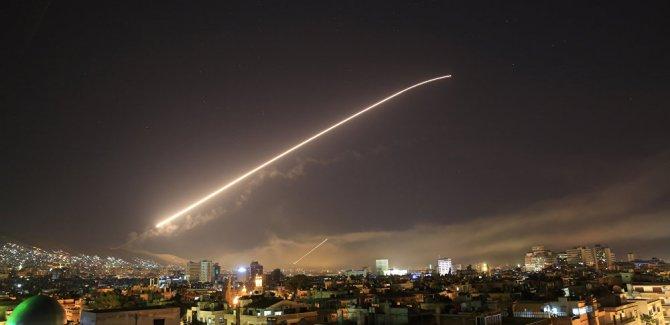 ABD, İngiltere ve Fransa Suriye'ye yönelik saldırıları başlattı