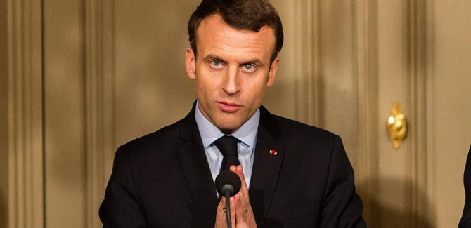 Macron: Din ve inanç hürriyetini kabul etmek zorundayız