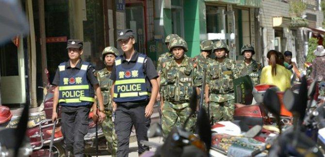Doğu Türkistan'da on binlerce Uygur'un gözaltına alındığı iddiası