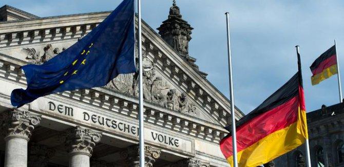 Alman meclisi: Suriye operasyonu uluslararası hukuk ihlali