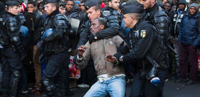Fransa, sığınmacılar için şartlarını zorlaştırdı