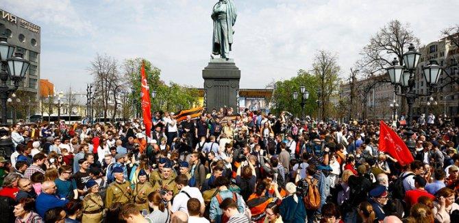 Rusların Tansiyonu yükseldi, birçok gösteri var
