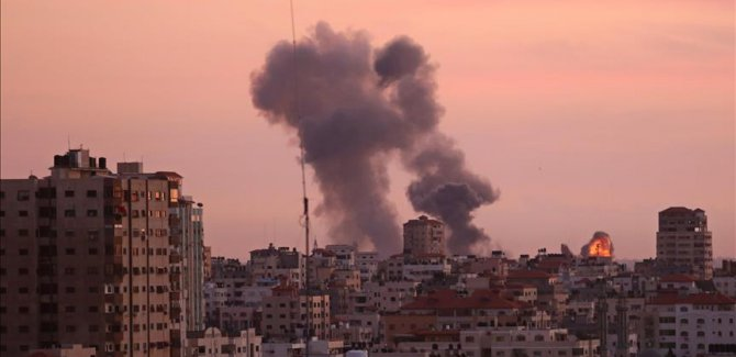 İşgal Rejimi İsrail'den Gazze'ye hava saldırısı