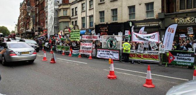 Hollanda ve İngiltere'de Filistin'e destek eylemi: İsrail bir terör devletidir, işgale son verin!