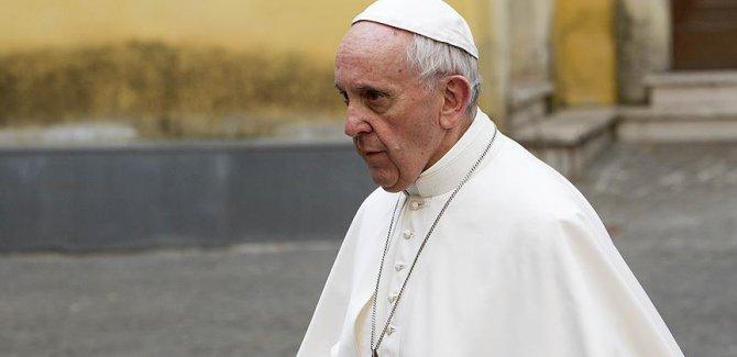 Papa: Firavun gibi yaşamayın