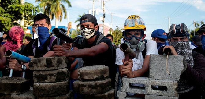 Nikaragua'da  hükümet karşıtı gösterilerde ölü sayısı 100'ü buldu
