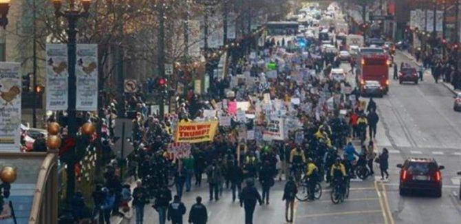 ABD Günü Trump Protestolar ile Geçirdi