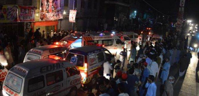 Mitinge canlı bombalı saldırı: 12 ölü