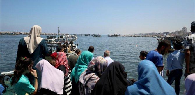 'Özgürlük 2' gemisindeki 7 kişi serbest