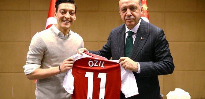 Mesut Özil: Pişman değilim