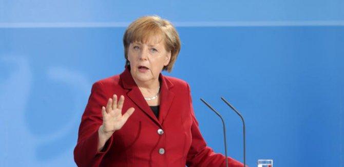 Merkel: Türkler Almanya'yı zenginleştiriyor