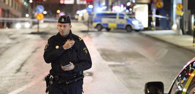 İsveç polisi, elinde oyuncak silah olan down sendromlu genci öldürdü