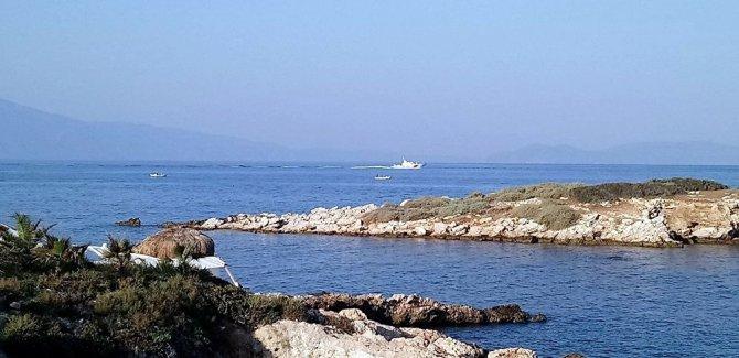 Kuşadası'nda göçmenleri taşıyan bot battı: 9 ölü