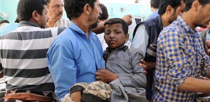 Yemen'de Koalisyon Güçleri çocukları taşıyan aracı hedef aldı