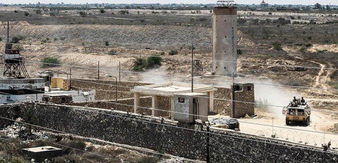 Mısır askerleri, bir Filistinli'yi şehit etti