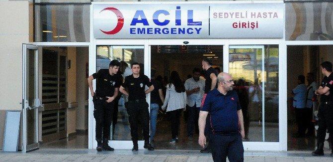 Van'da AK Parti Otobüsü Kaza Yaptı: Ölü ve yaralılar var