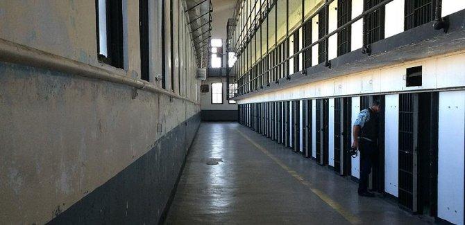 Mısır'da 2 binden fazla tutukluya af