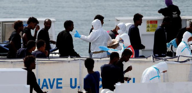 İtalya ve AB arasında mülteci kavgası