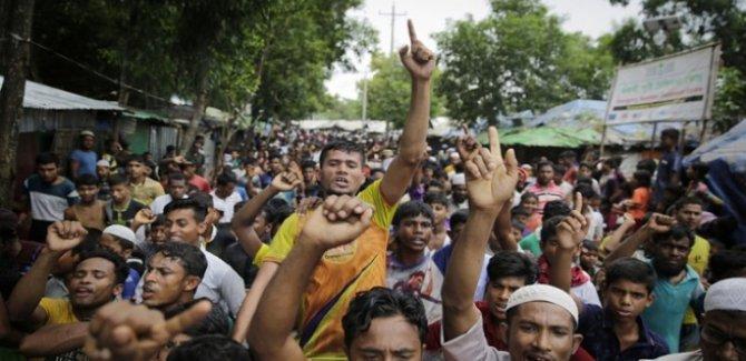 Arakanlı Müslümanlardan 'Bir daha asla' protestosu