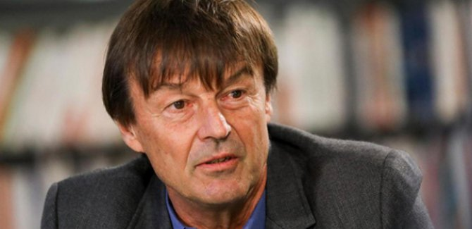 Fransa Çevre Bakanı canlı yayında istifa etti