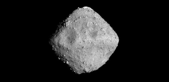 Japonya Ryugu asteroitine 2 uzay robotu indirecek