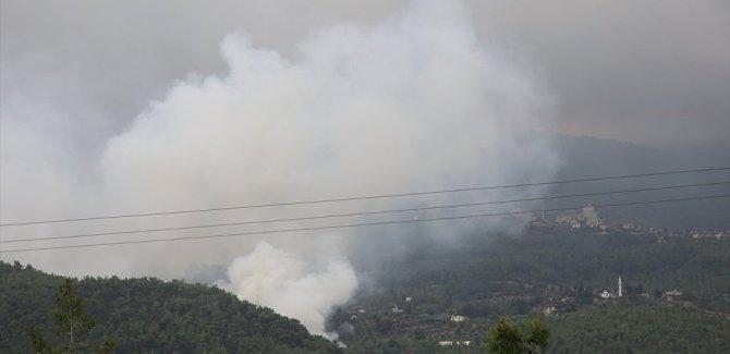 Hatay'daki orman yangını, yerleşim yeri yakınlarına sıçradı