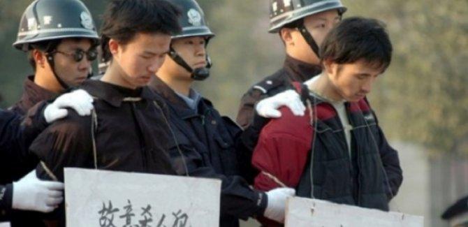 Çin'den akla ziyan 'Uygur kampları' açıklaması