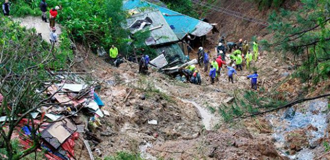 Filipinler'de heyelan: 30 ölü