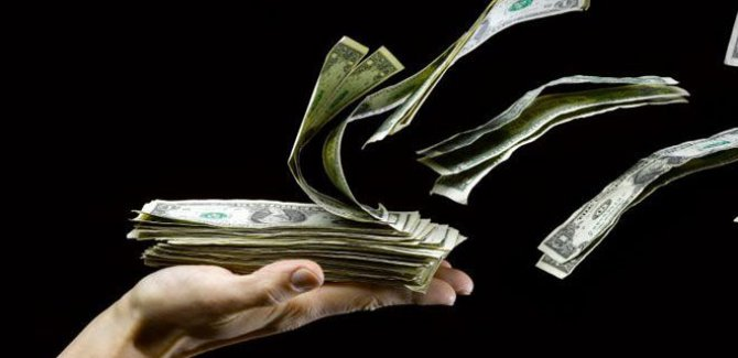 Yolsuzluk dosyası kabarık; 320 milyar dolar kayıp