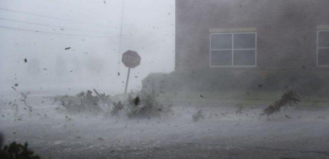 Michael kasırgası tropik fırtınaya dönüştü