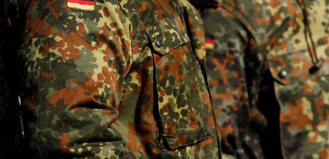 Alman ordusunda 199 aşırı sağcıya ihraç