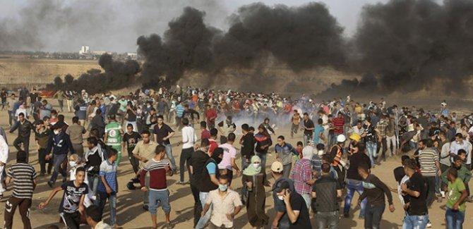 Filistinliler İsrail sınırında toplanıyor
