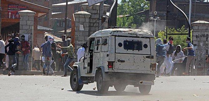 Keşmir'de çatışma
