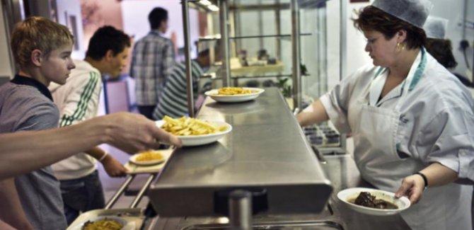 Fransız okullarında helal yemek kararı